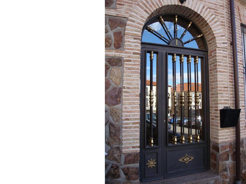 1-puerta-de-portal_80000x6000