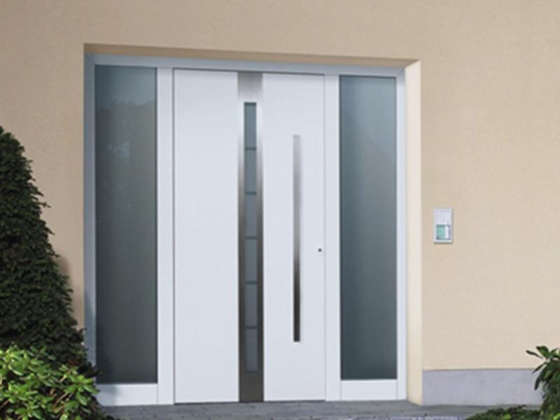 puerta de seguridad hormann, con tragaluz