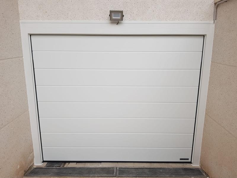 puerta_seccional_hormann_woodgrain_supramatic_lpu42