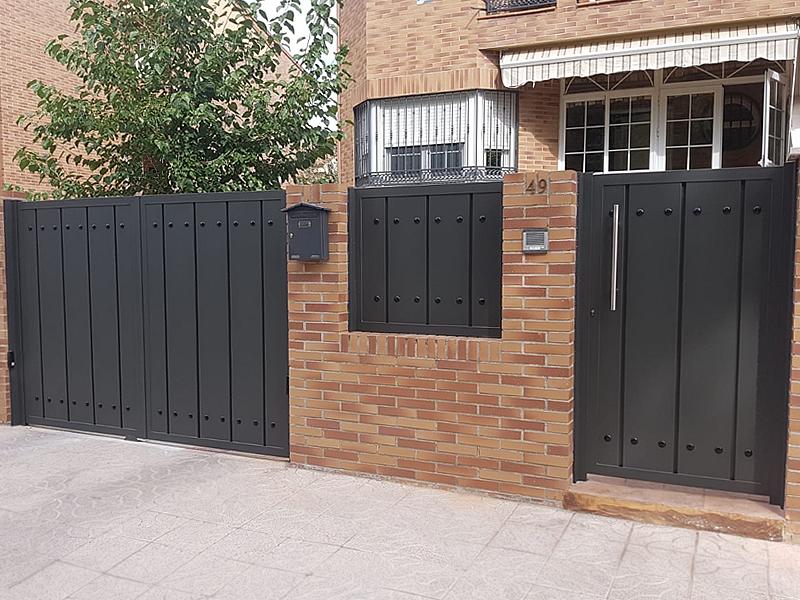 Puertas de aluminio soldado en Toledo