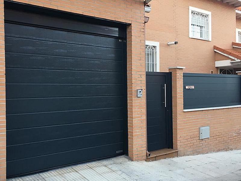 Puerta seccional hormann en Valdemoro (Madrid)